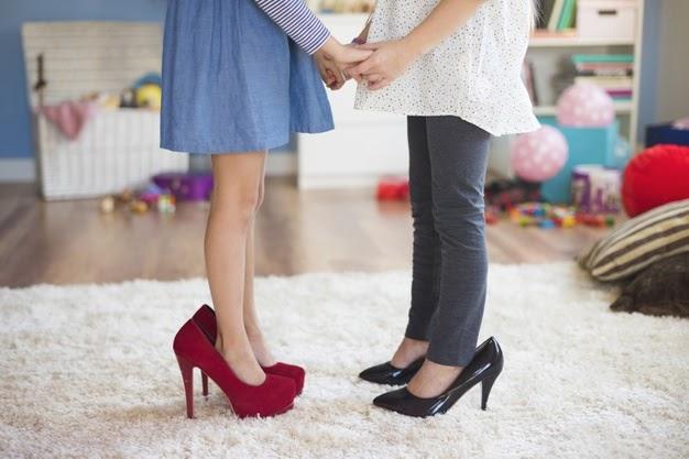 4 Razões pelas quais crianças não devem usar sapatos altos